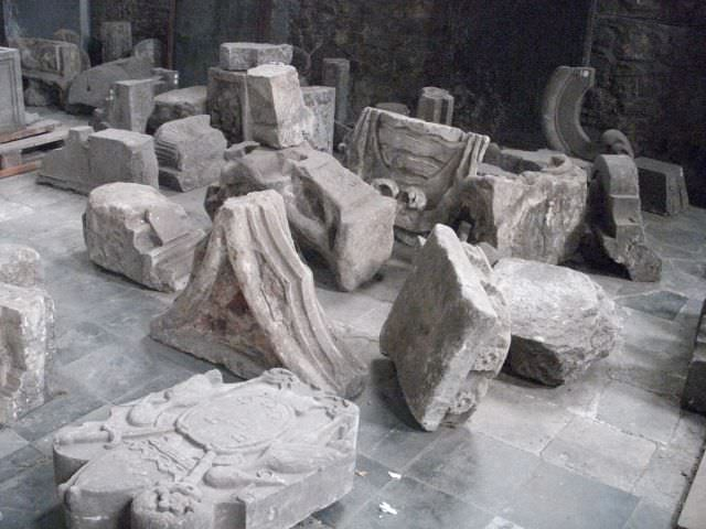 Een aantal objecten die zijn gevonden tijdens archeologische werkzaamheden