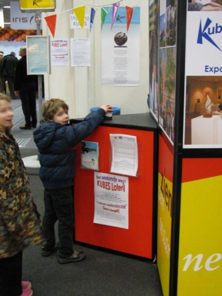 Siem van Kuyk activeert de loterij jingle