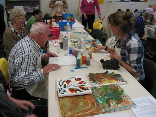 Een overzichtsfoto van de succesvolle schildersactiviteiten