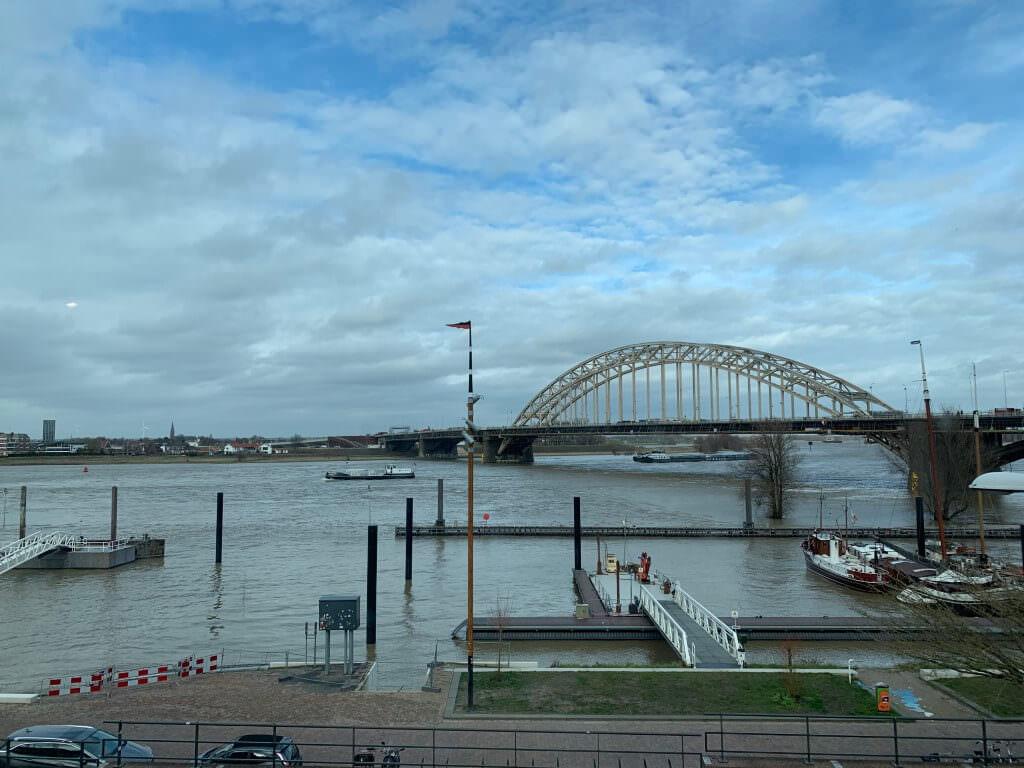 Uitzicht op de Waalbrug© Maria van Basten Batenburg